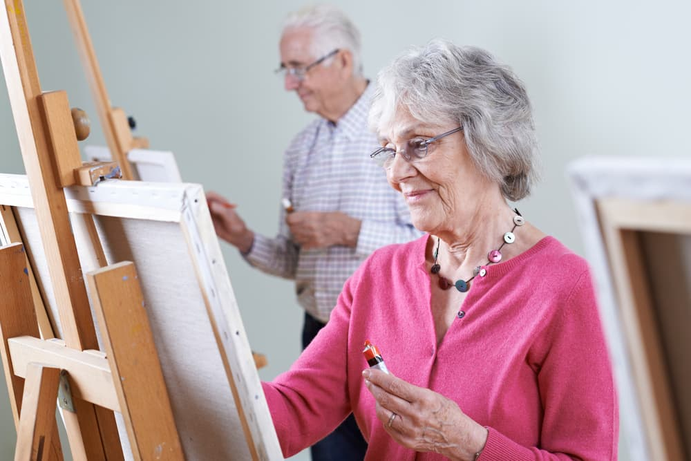 5 Indoor Leisure Activities for Seniors